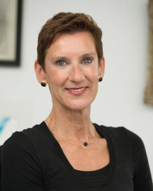 Dr. Christiane Theobald